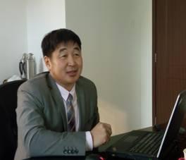 蒙古国学者作《蒙古国语言文字政策回顾》学术报告