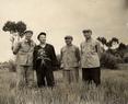 1955年中国社会科学院民族学与人类学研究所郭冠忠等与西藏江孜白朗地区干部合影