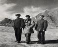 1958年,西藏社会历史调查组姚兆麟等在日喀则留影