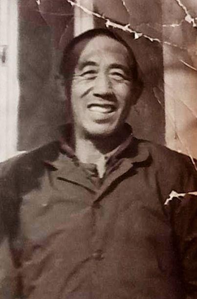 1985年 舅舅留影于固安 时年55岁 (邸永君拍摄并冲扩)