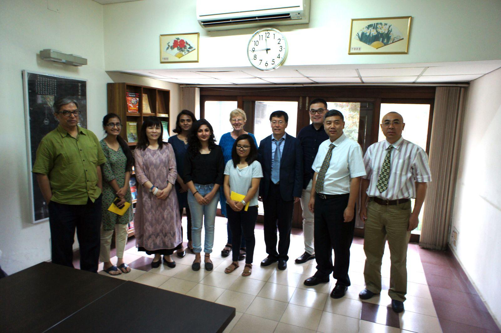 代表团在印度德里中国研究所